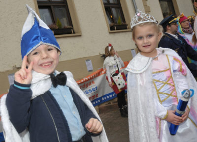 zu sehen sind Prinz Dean und Prinzessin Johanna