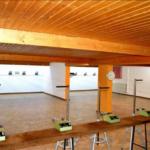 zu sehen ist ein Schießstand im Innenbereich des Bouser Schuetzenhauses