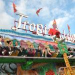 zu sehen ist das Fahrgeschäft Tropical Trip an der Bouser Kirmes