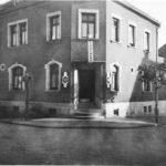 zu sehen ist ein altes Foto vom Gasthaus Hoffmann später Clochard