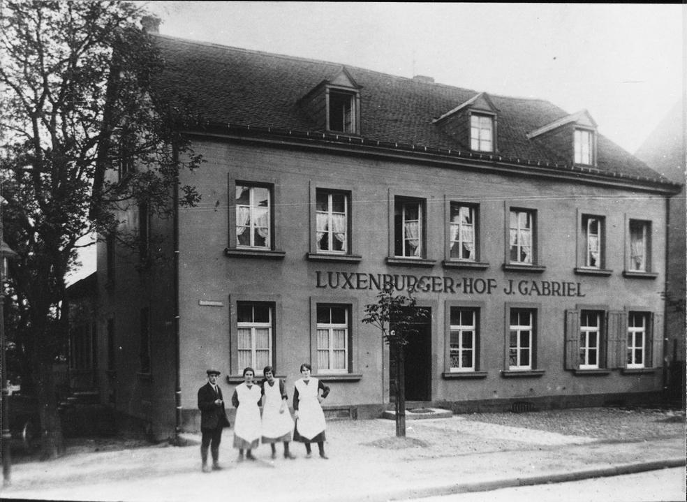 zu sehen ist ein Foto des Luxenburger Hofes J. Gabriel
