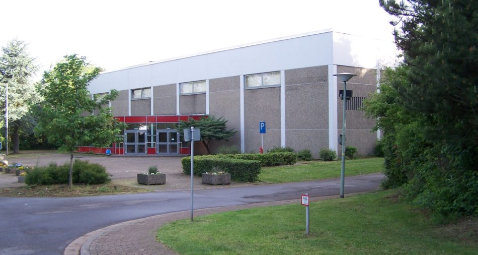 zu sehen ist die Suedwesthalle mit Foyer