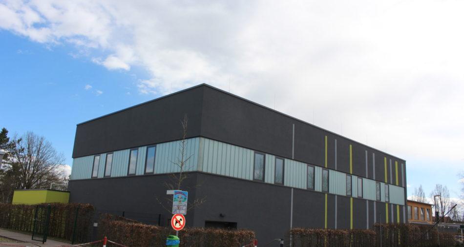 zu sehen ist der Neubau der Sport- und Schulturnhalle auf der Muehlenscheib.