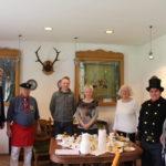 zu sehen ist die Jury des Apfelkuchenwettbewerbes mit der Wirtefamilie Altpeter